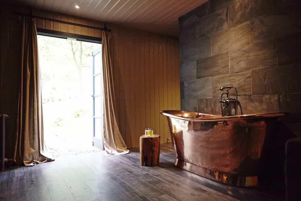 luxury glamping bathroom in yorkshire