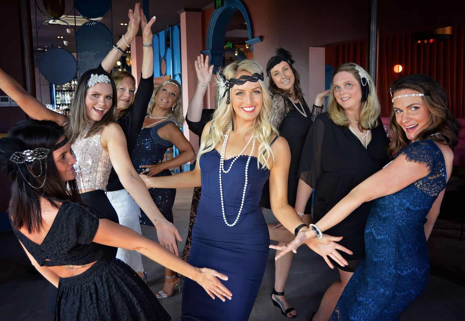 Women/'s Let The Good Times Be Gin Fancy Dress Bottle Costume Hen Theme Night Do